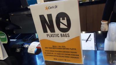 Restoran Siap Saji Tidak Siapkan Kantong Plastik tapi...