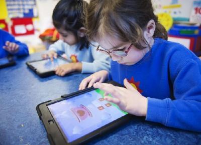 4 Tips Jitu Cegah Anak Kecanduan Gadget