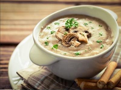 Lezatnya Sup Krim Jamur untuk Makan Siang di Akhir Pekan