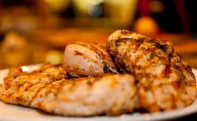 4 Makanan yang Berbahaya Jika Tak Dimasak dengan Benar