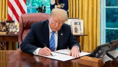 Trump Perpanjang Program Subsidi bagi UMKM Terdampak Covid-19