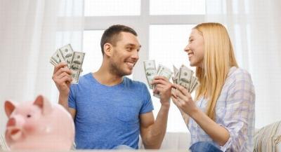5 Tipe Kelola Keuangan Keluarga, Pilih Tipe Gaji Suami 100% untuk Istri atau Fifty-Fifty?