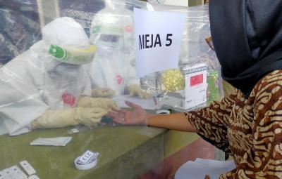 237 Warga Bogor Penonton Konser Rhoma Irama Jalani Rapid Tes Massal