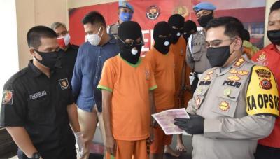 Uang Ratusan Juta Rupiah & Dollar Palsu Gagal Beredar di Bogor