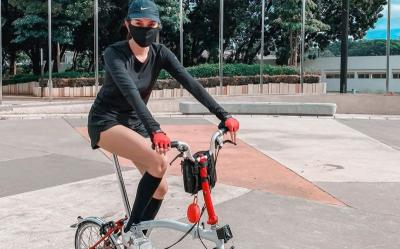 Selain Luna Maya, 3 Artis Cantik Ini Rajin Gowes Keliling Jakarta