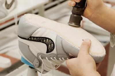 Air Jordan 1 OG Dior, Sneaker Paling Dinanti di 2020 Resmi Rilis