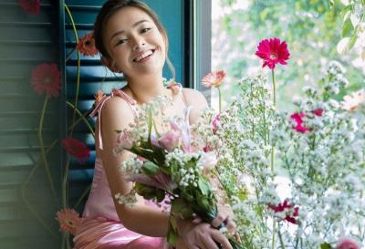 Cantiknya 4 Pose Amanda Manopo Bergaya bak Putri Bunga, Curi Hati Pria Jomblo