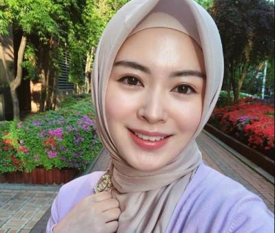 Varian Outfit Knit Favorit Hijabers, Ayana Moon hingga Zaskia Sungkar