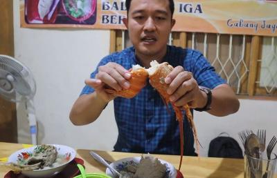 Rela Antre 5 Jam demi Bakso Lobster Viral, Dave Taslim: Saking Ramainya Pernah Digerebek Satpol PP