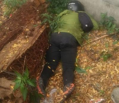 Seorang Pria Ditemukan Tewas di Samping Tol JORR, Diduga Dibunuh