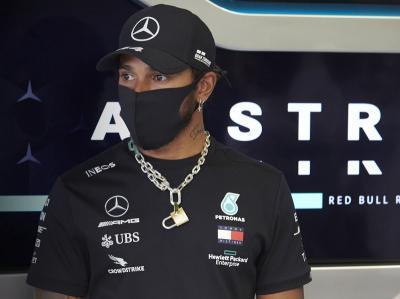 Hamilton Pastikan Fokusnya di F1 Tak Terganggu dengan Aksi Lawan Rasisme
