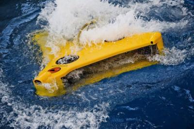 Robot Ini Mampu Menyelam Bersihkan Jaring Ikan di Laut