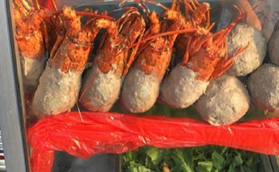 Gara-Gara Viral, Antrean Bakso Lobster Bisa Sampai 5 Jam