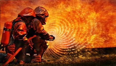 Kebakaran Melanda Permukiman Warga di Tebet, 17 Mobil Pemadam Dikerahkan