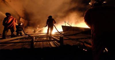 Kebakaran Melanda Rumah Semi Permanen di Daan Mogot