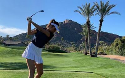 Pesona Farah Quinn saat Main Golf, Bagai Gadis Muda