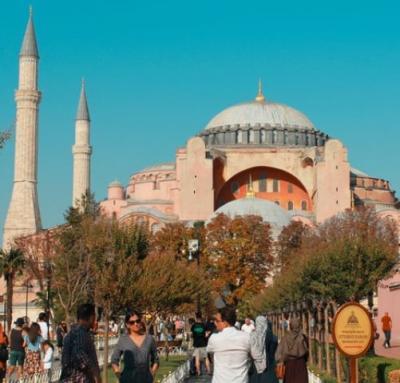 Muslim Turki Sambut Gembira Hagia Sophia Kembali Jadi Masjid