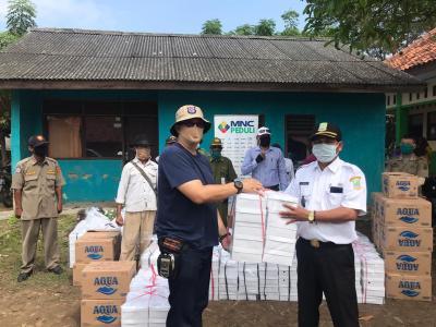 MNC Peduli Berdayakan UMKM Salurkan Bantuan Pangan ke Warga Desa Binaan Pantai Bakti