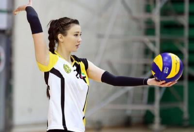 Potret Pevoli Cantik Kazakhstan Sabina Altynbekova saat Mengenakan Hijab