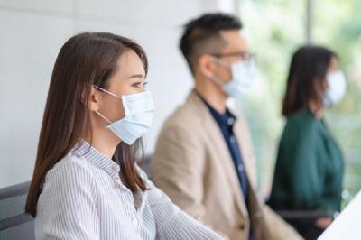 Covid-19 Diduga Menular Lewat Airbone, Dokter Paru Imbau Pakai Masker Dalam Ruangan