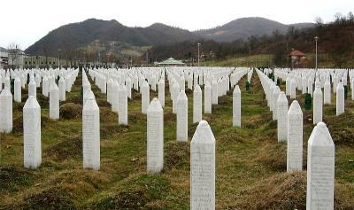 Mengenang 25 Tahun Tragedi Pembantaian 8.000 Muslim Bosnia oleh Serbia
