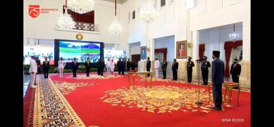 Secara Virtual, Presiden Jokowi Lantik Perwira TNI-Polri di Istana Negara