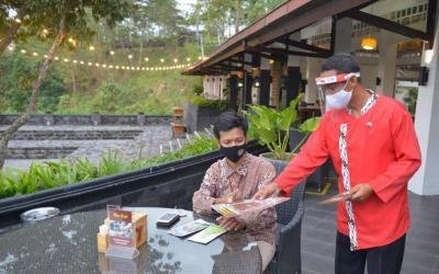 Kemenparekraf Terbitkan Buku Panduan Protokol Kesehatan di Bidang Hotel dan Restoran