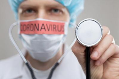 Dokter Reisa Berbagi 4 Cara Pakai Masker yang Baik dan Benar