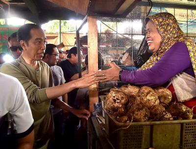 Jokowi Suntik Modal untuk 12 Juta Pedagang Kecil