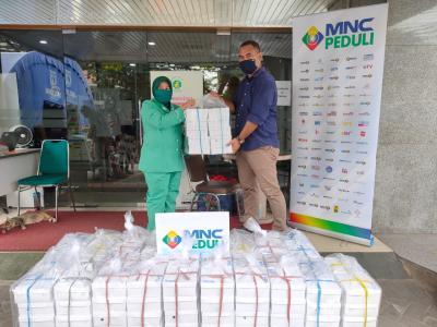 MNC Peduli dan Produser Pangan Asia Salurkan Makan Siang ke RS Hermina Podomoro