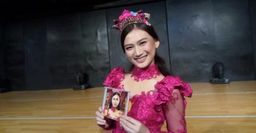 Jadi Juri, Melody Ex 'JKT48' Dikabarkan Kena Timpuk Kaleng