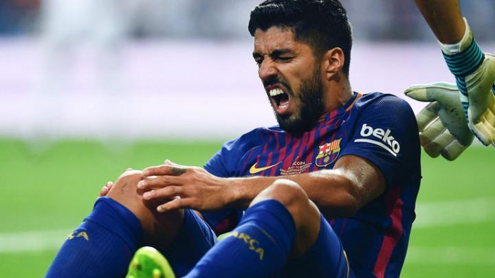 Duh! Cedera Lutut, Luis Suarez Dipastikan Menepi Sebulan